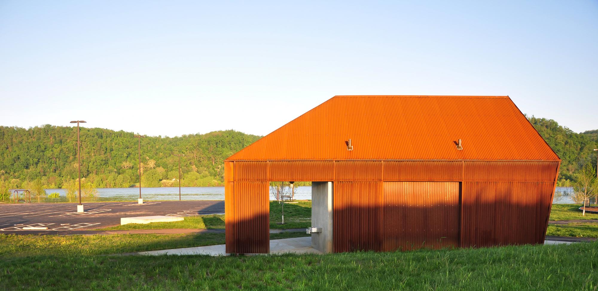 Riverview Park Visitor Service Building I / De Leon & Primmer Architecture Workshop, © De Leon & Primmer Architecture Workshop