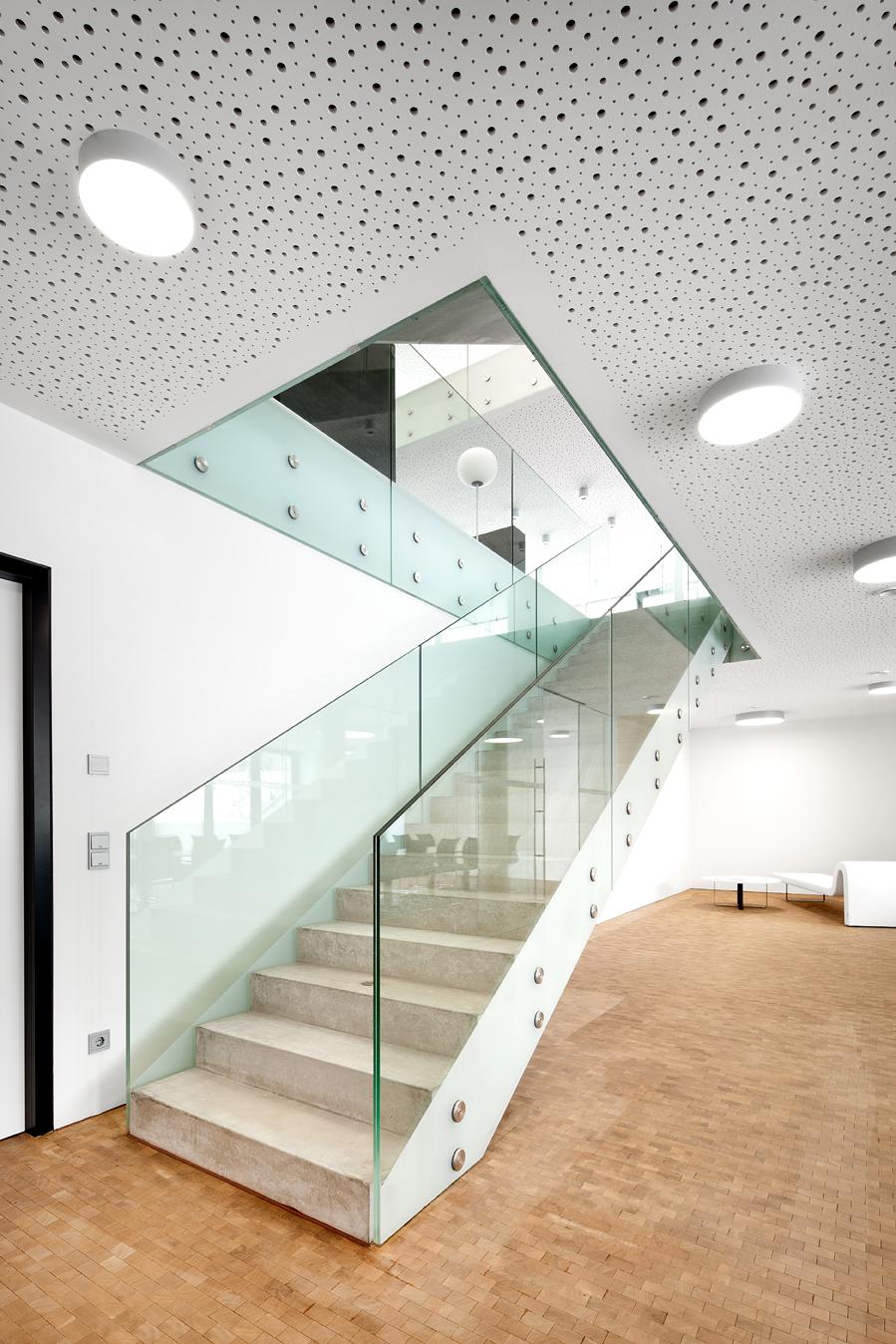 Gallery of Neubau Bürogebäude / Spado Architects - 9