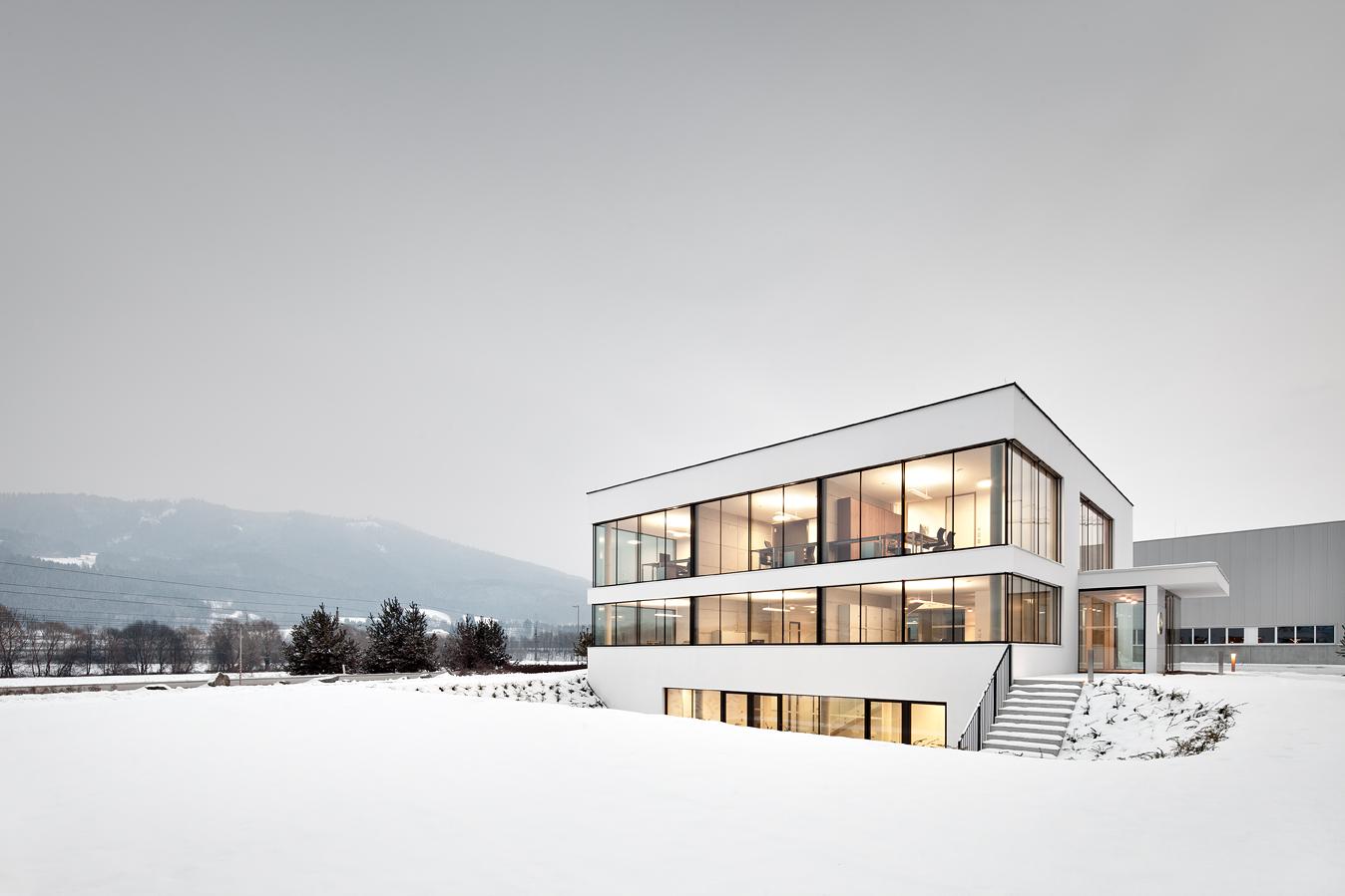 Neubau Bürogebäude / Spado Architects, © Kurt Kuball