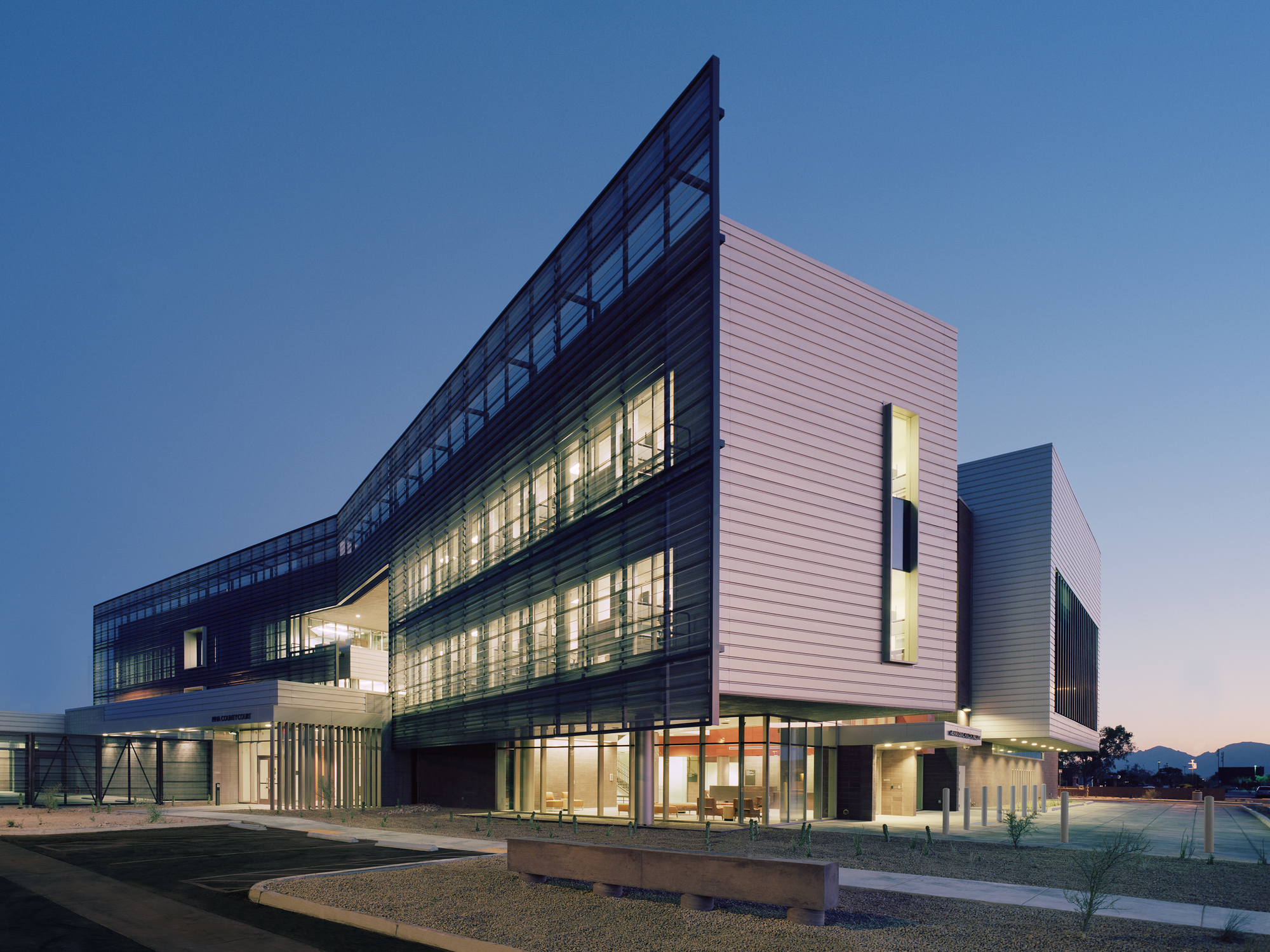 University of arizona medical center south campus cannon for Site design architecture