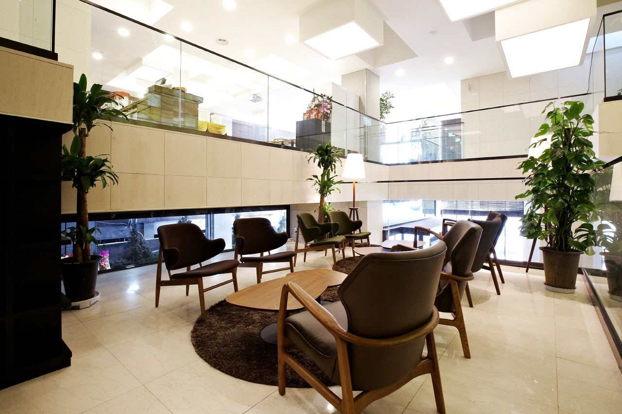 Gallery Of Urban Boutique Hotel / BANG By MIN