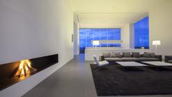 150M Weekend House / Shinichi Ogawa & Associates