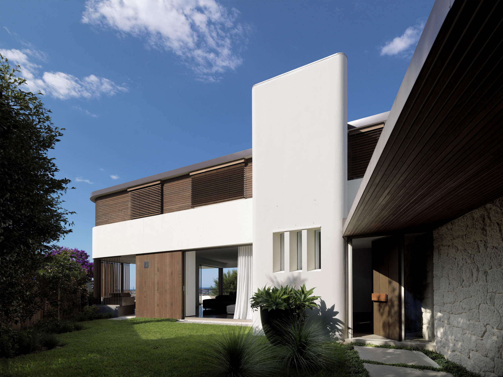 Balcony Over Bronte  / Luigi Rosselli Architects, © Justin Alexander