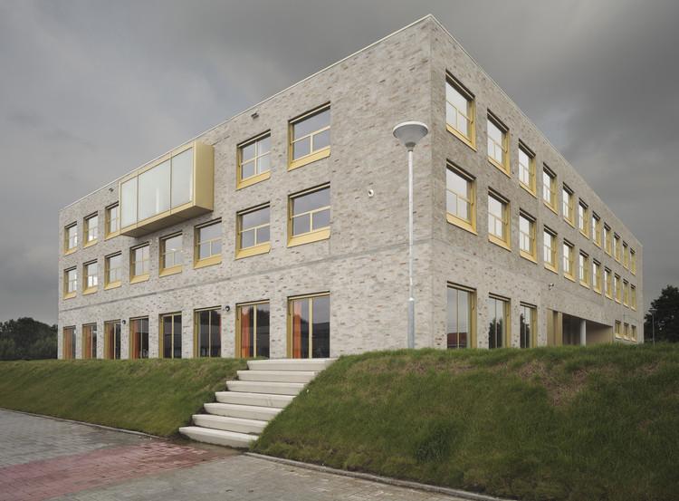 Bornego College / HVDN + Studioninedots, Courtesy of Studioninedots + HVDN
