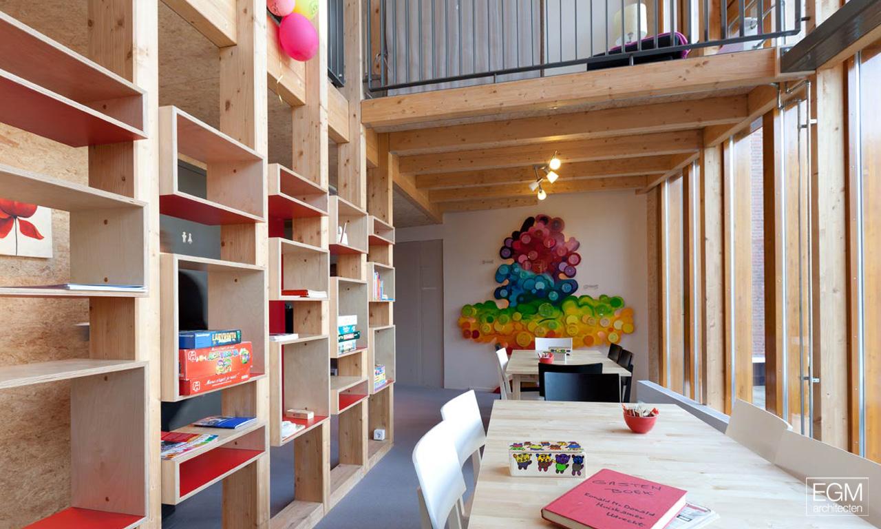 Gallery of ronald mcdonald family room egm architecten 9 for Ronald mcdonald family room