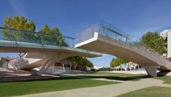 Kiss Bridge / Joaquin Alvado Bañon