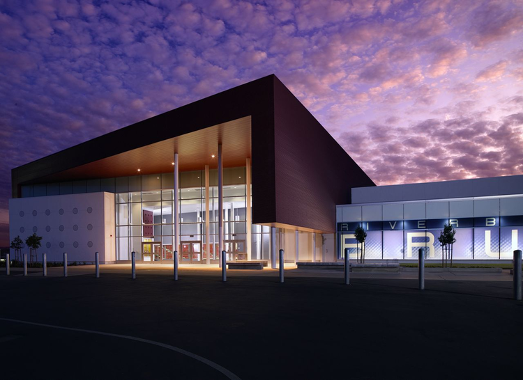 Riverbank High School / Darden Architects, © Mullins Studio