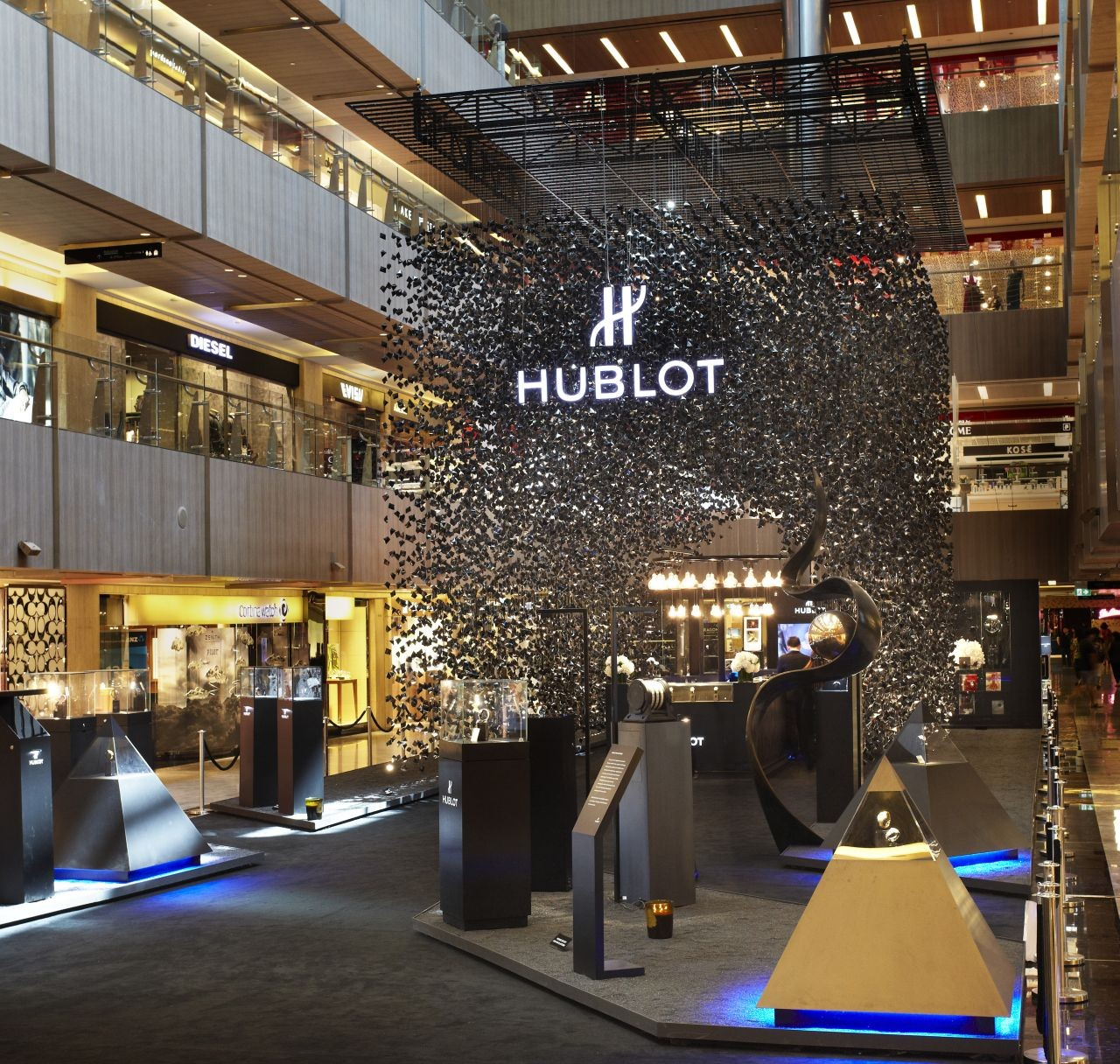 Hublot Popup Store / Asylum, Courtesy of The Hour Glass
