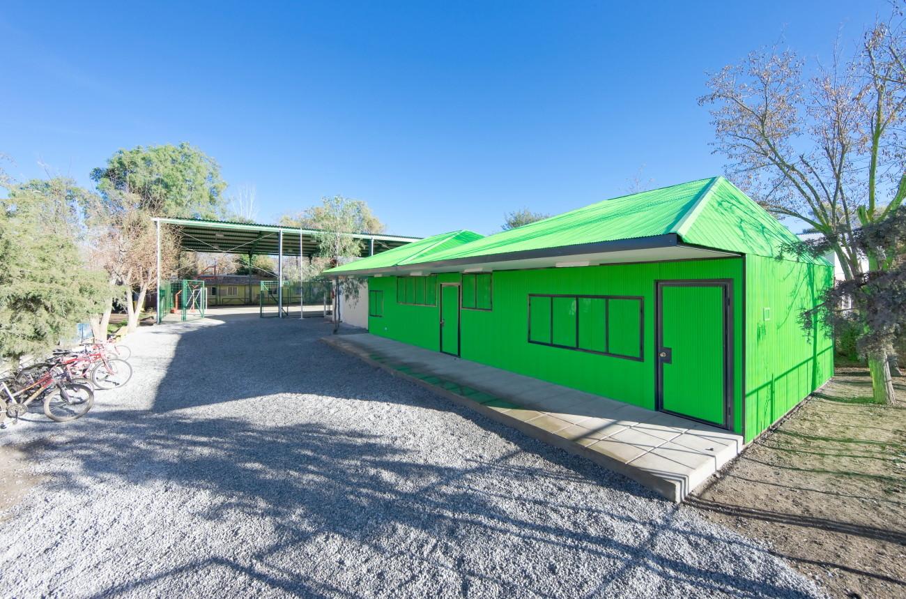 Catch Light Classrooms / LAND Arquitectos, © Sergio Pirrone