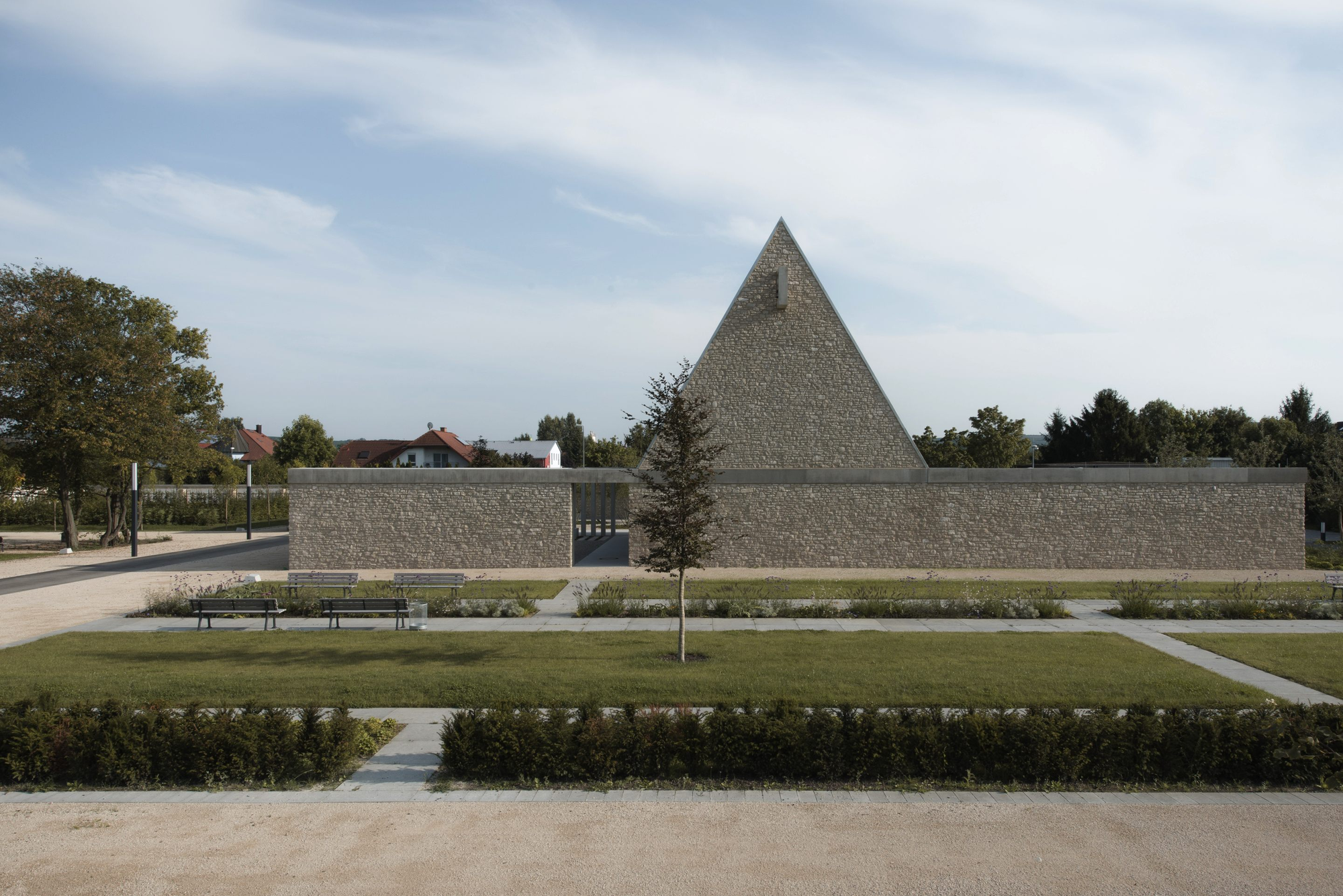 Ingelheim Funeral Chapel / Bayer & Strobel Architekten, Courtesy of Bayer & Strobel Architekten