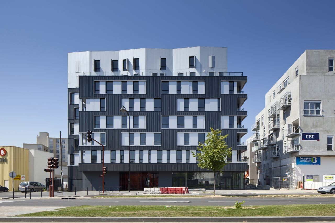 48 logements vitry sur seine ga tan le penhuel architecture archdaily. Black Bedroom Furniture Sets. Home Design Ideas