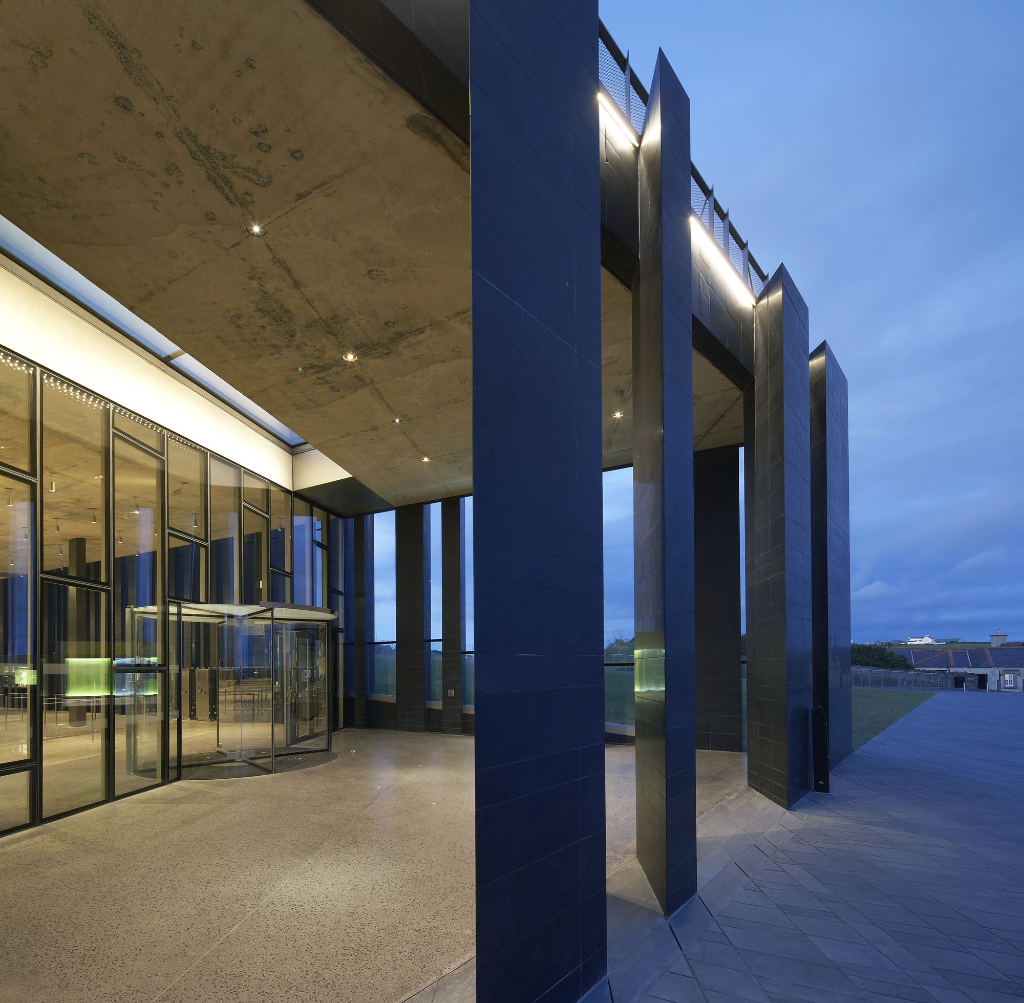 Gallery of Giants Causeway Visitor Centre / Heneghan Peng ...