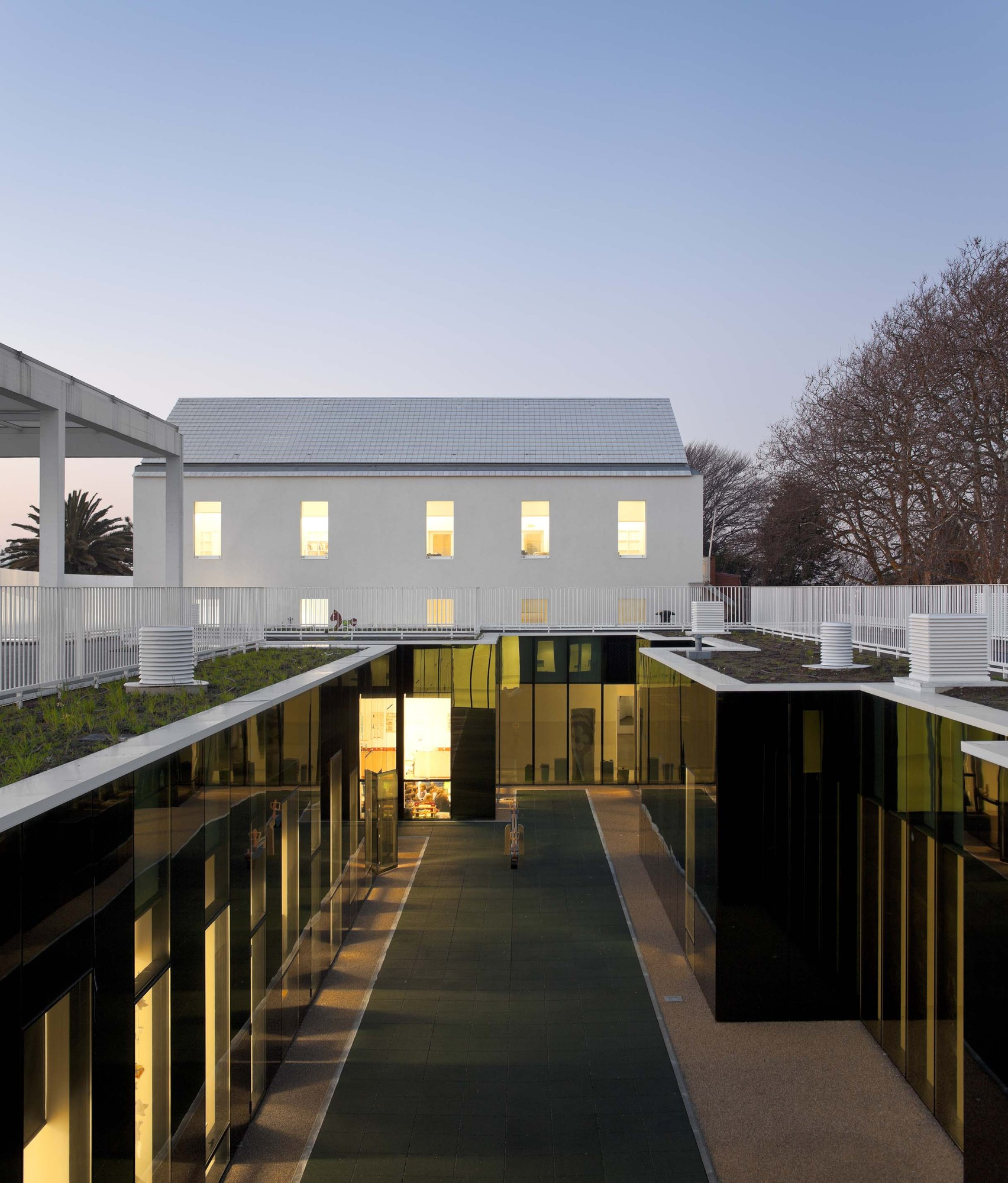 Center School S.Miguel de Nevogilde / AVA Architects, © FG+SG