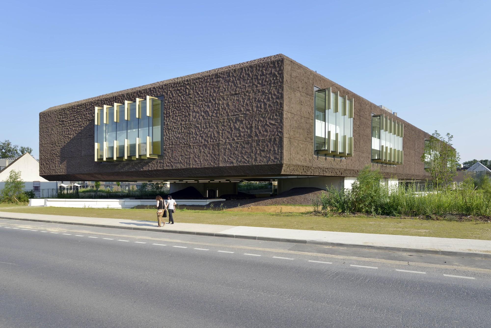 Marne-la-Vallée Library / Beckmann-N'Thépé Architects, © Olivier Amsellem