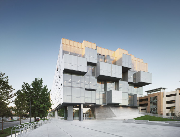 UBC Faculty of Pharmaceutical Sciences / Saucier + Perrotte architectes, © Marc Cramer