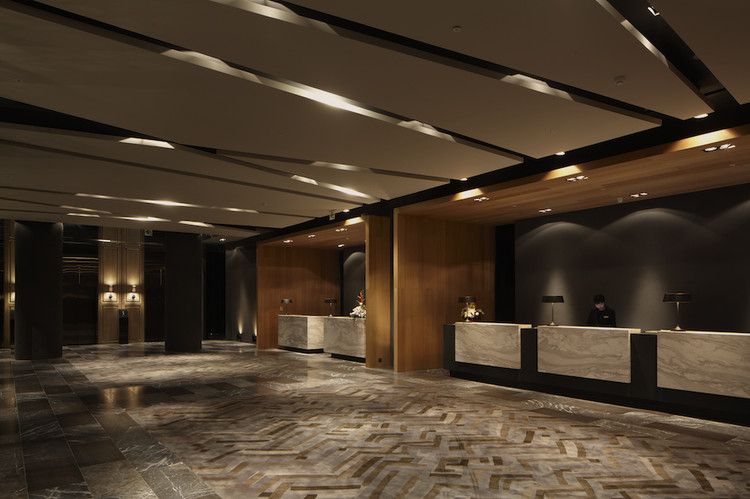 Hotel dua koan design archdaily for Hotel foyer decor