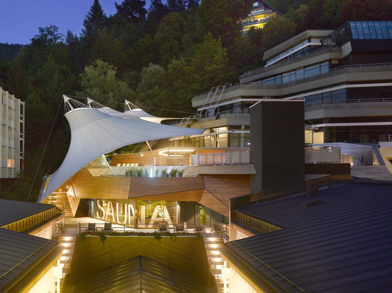 Palais Thermal / KTP Architecten + formTL, © Roland Halbe
