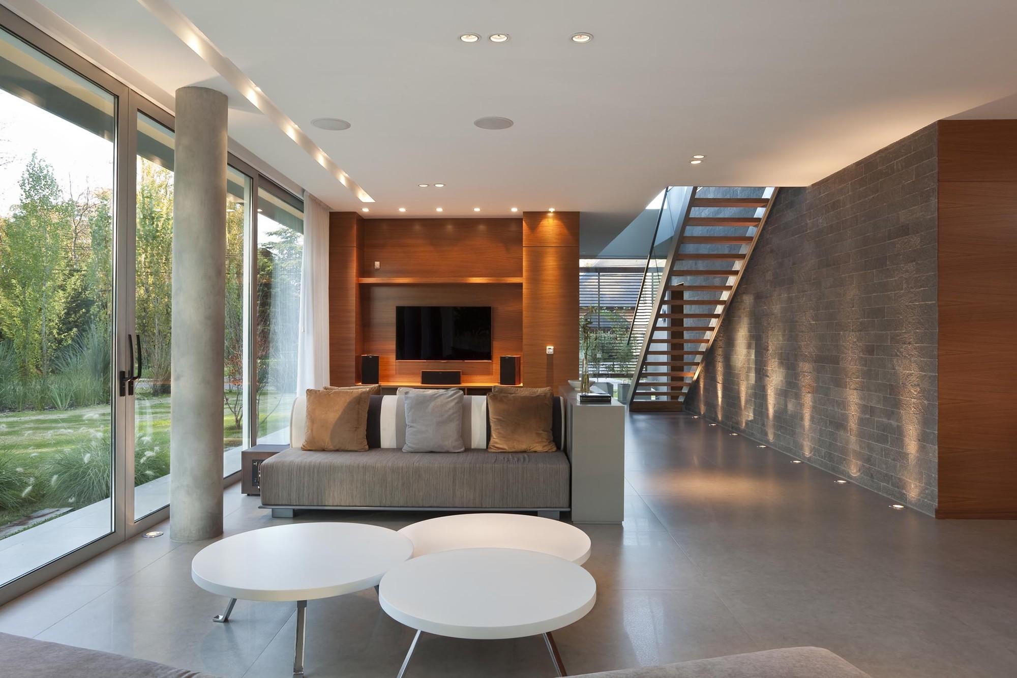 Gallery of house in pilar estudio parysow schargrodsky - Arquitectos de interiores famosos ...