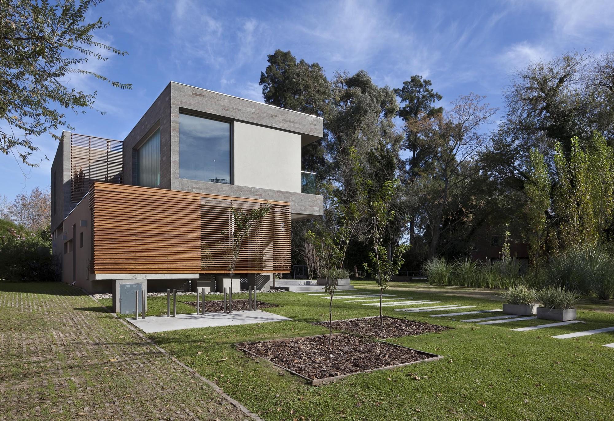 Casa en Pilar / Estudio Parysow - Schargrodsky Arquitectos + Estudio Tarnofsky - Wilhelm, © Andres Negroni