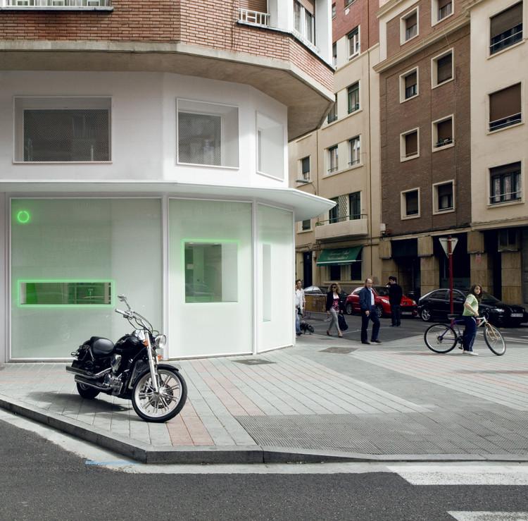 Pharmacy La Puebla 15 / BUJ+COLÓN Arquitectos, © Luis Díaz Díaz