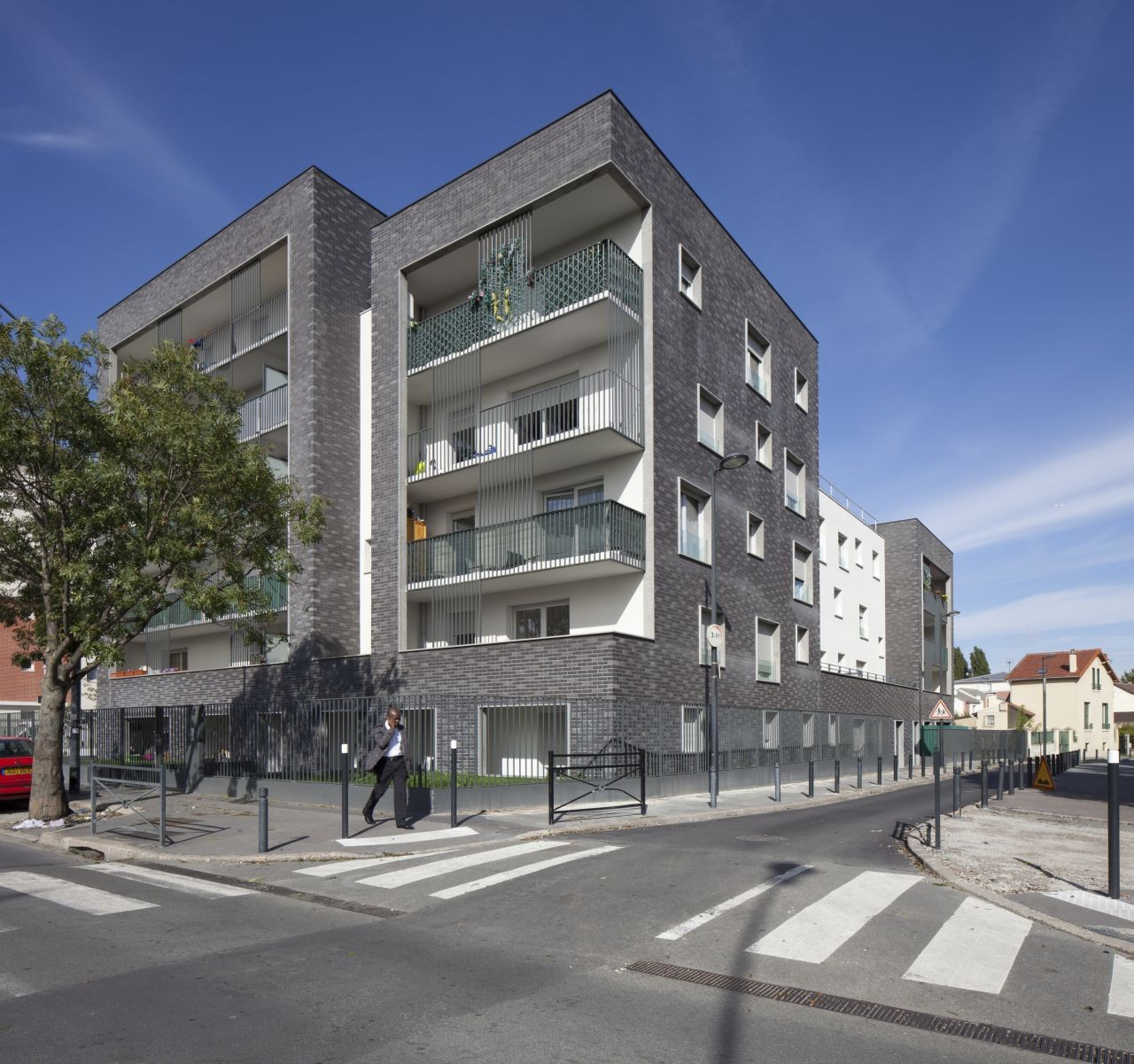 Saint Denis Housing / Ateliers O-S architectes, © Cecile Septet