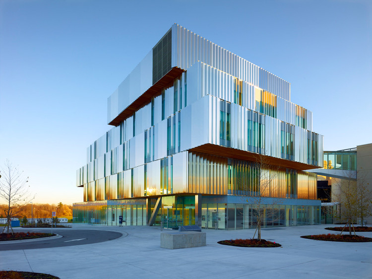 Terrence Donnelly Health Sciences Complex / Kongats Architects, © Shai Gill