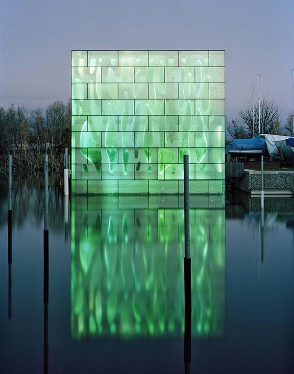 Interacción armoniosa entre la arquitectura y la luz: Nordwesthouse / Zumbotel, © Eduard Hueber