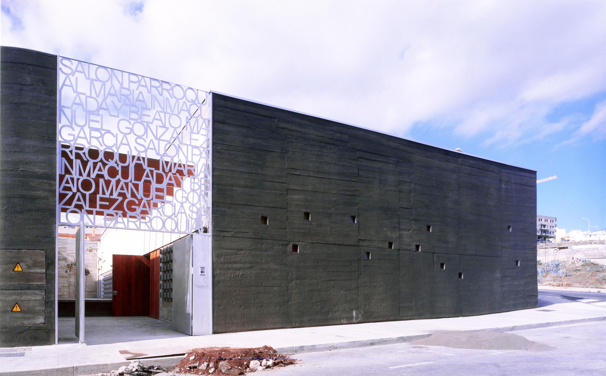 Mary Immaculate Parish Hall / Equipo Olivares Arquitecto