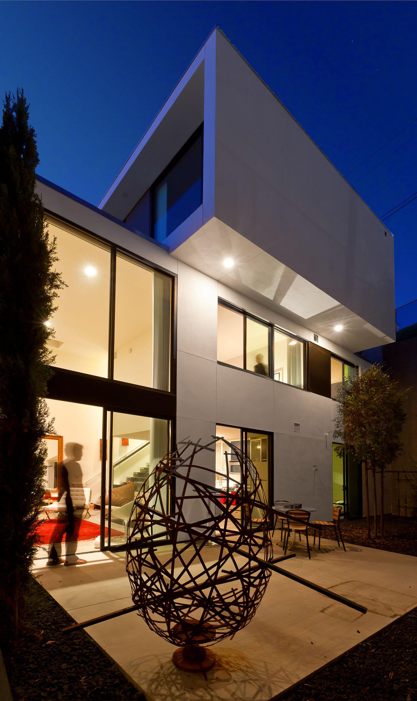 The Charmer Pages Lisa Kudrow For More: The Charmer / Jonathan Segal Architect