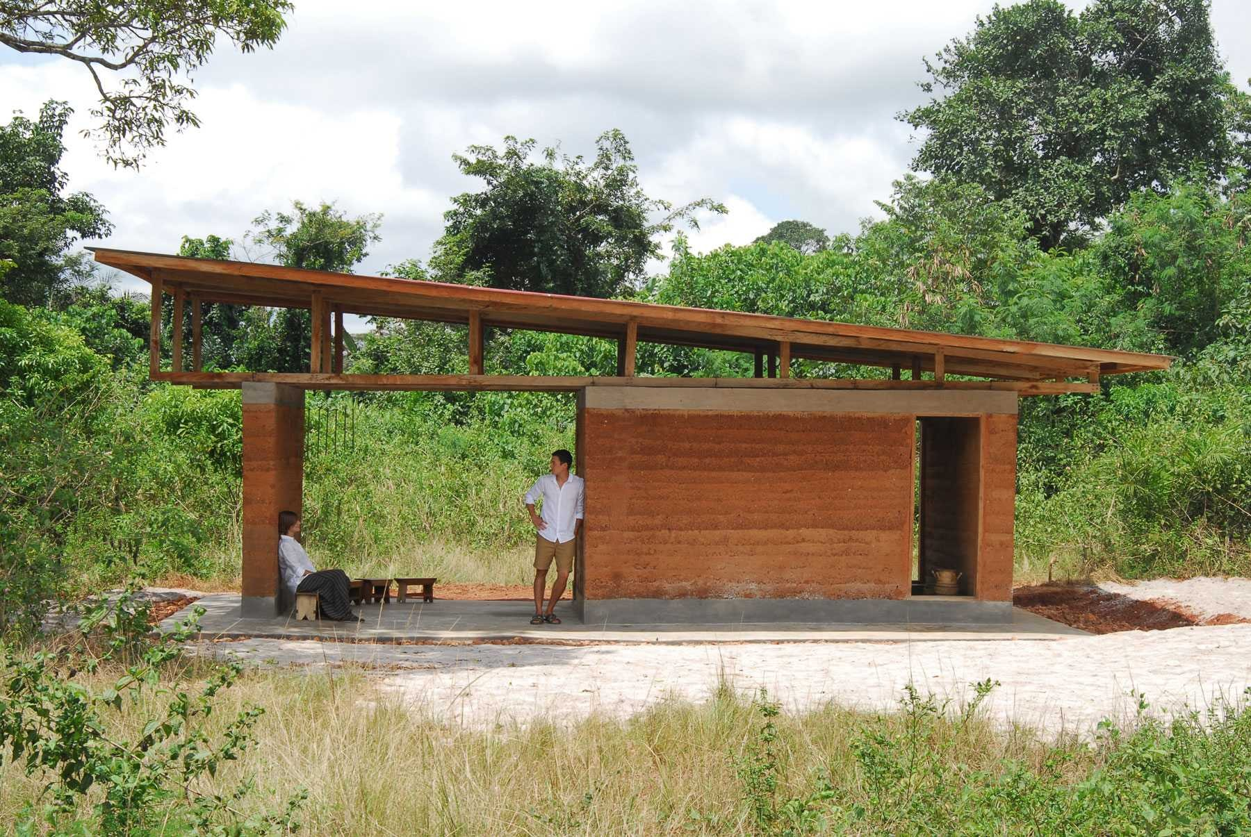 How to re invent the african mud hut archdaily for Small hut plans
