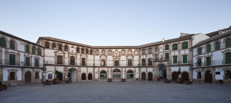 Ayuntamiento, Rehabilitación del Colegio Menor de la Plaza Ochavada / Ramón Fernández-Alonso y Asociados, © Fernando Alda