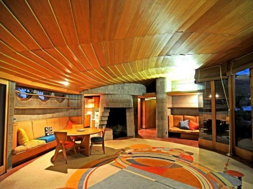 The David S. Wright Home in Arcadia, Arizona. Photo via Curbd LA.