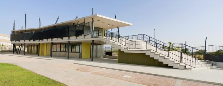 Edificio Multiusos / Vahos Arquitectura, Cortesía de Vahos