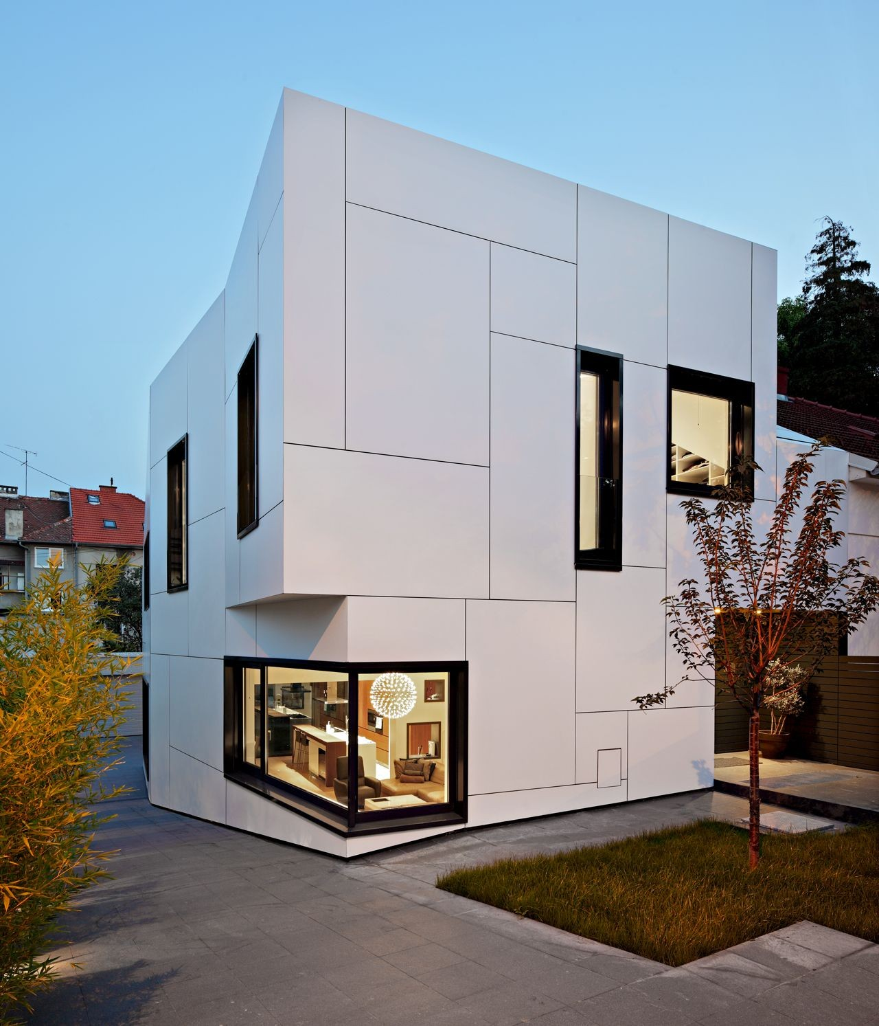 A a house dva arhitekta archdaily for Immeuble bureau design