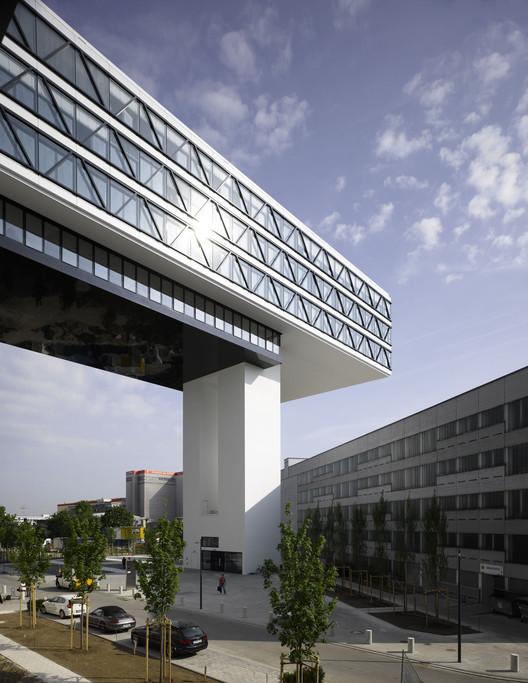 Courtesy of steidle architects