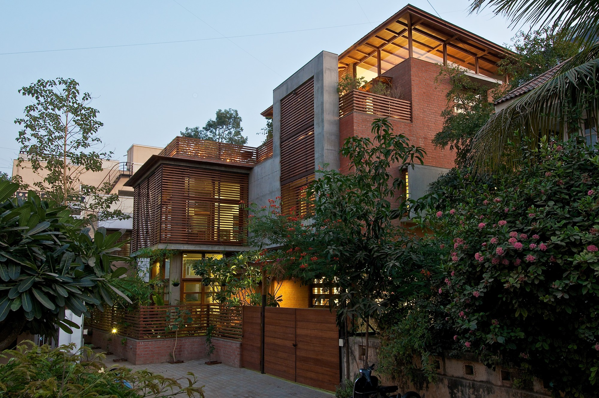 The Green House / Hiren Patel Architects, © Sebastian Zachariah
