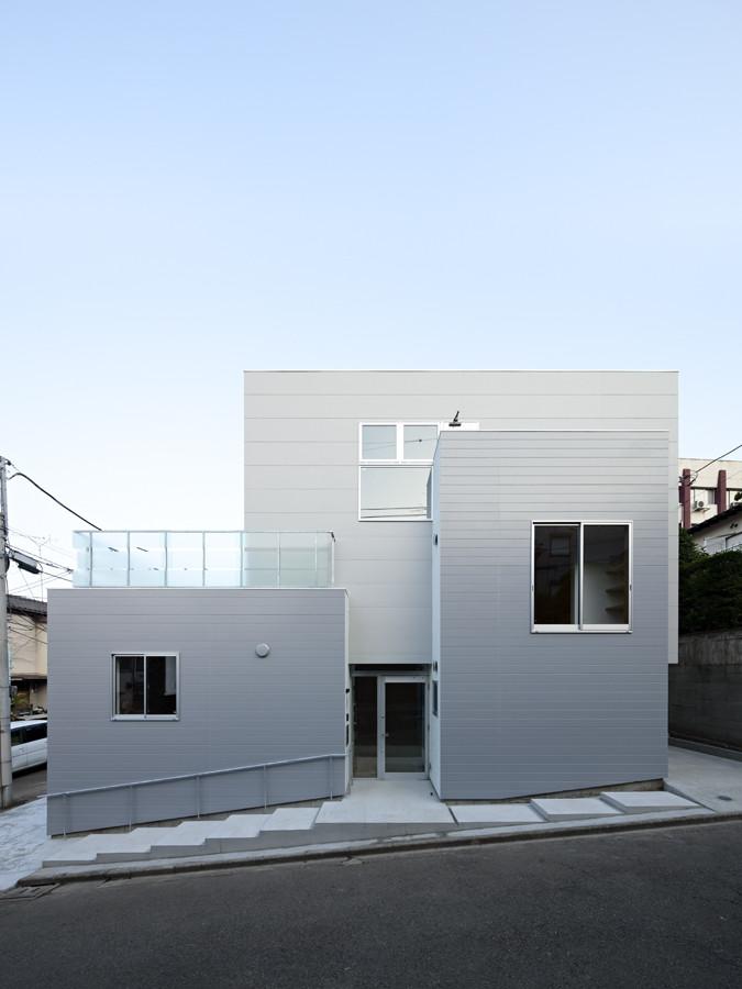House in Mejirodai / Mejiro Studio + Kozo Kadowaki, © Shimizu Ken