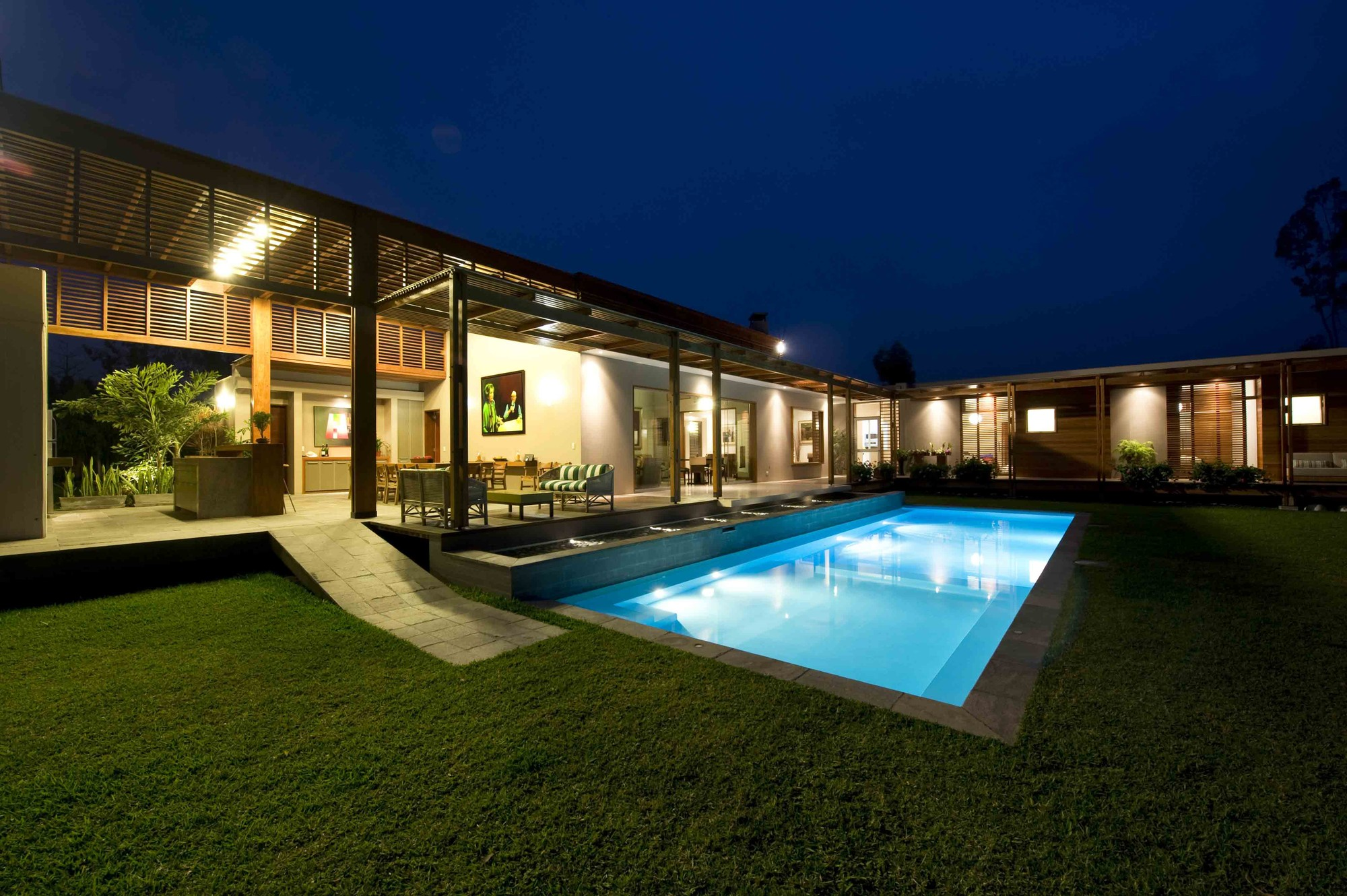 Casa de campo el ombu oscar gonzalez moix plataforma for Modelos de casas de campo con piscina