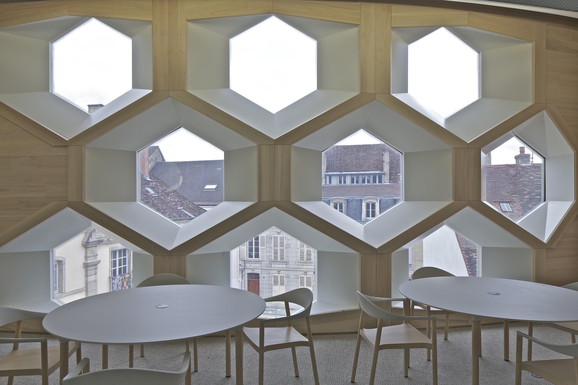 gallery of lons le saunier mediatheque du besset lyon architectes 14. Black Bedroom Furniture Sets. Home Design Ideas