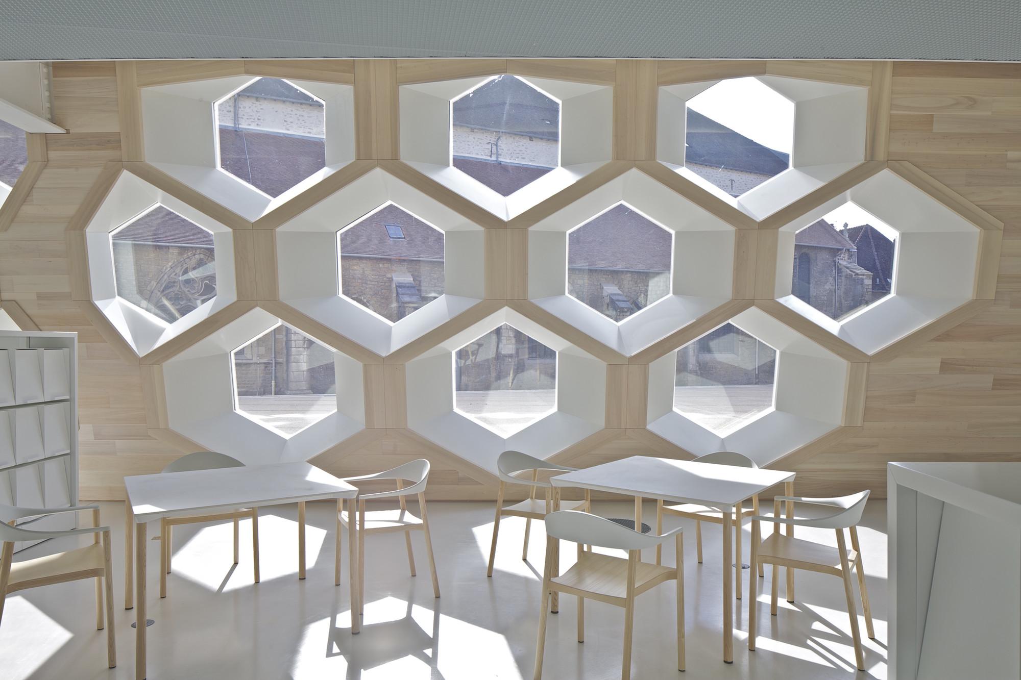 Lons le Saunier Mediatheque / du Besset-Lyon Architectes