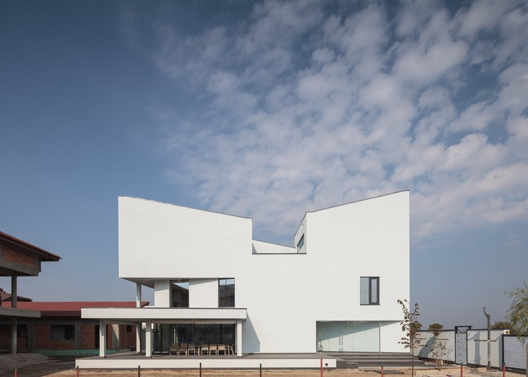 Afumati House / Manadelucru, © Cosmin Dragomir