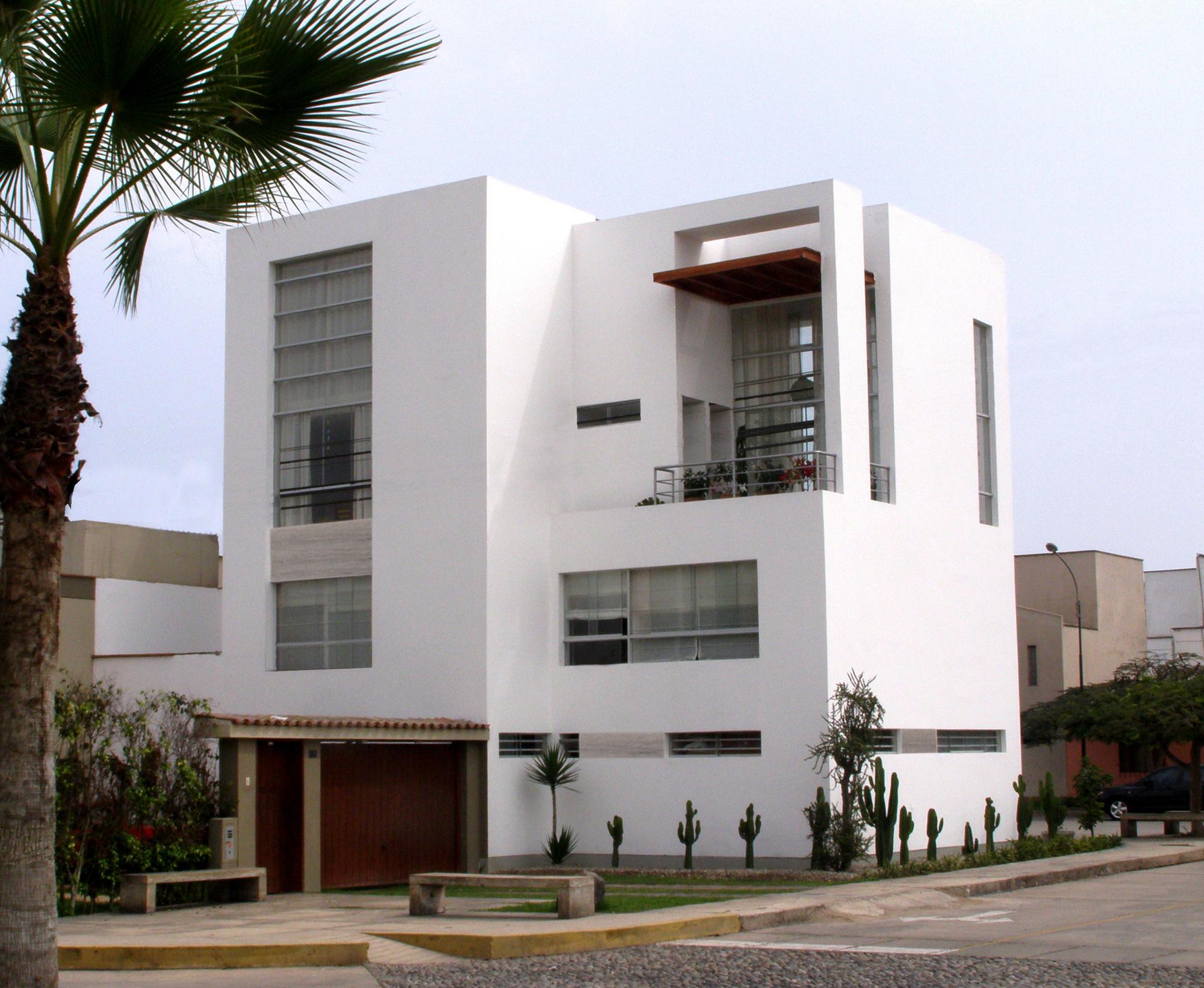 Casa c a f v arquitectos archdaily m xico for Casa minimalista tres pisos