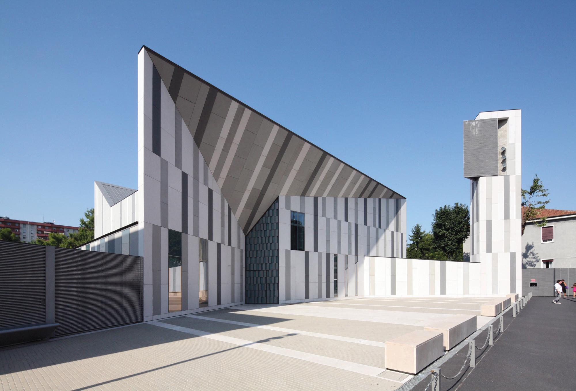 Christ resurrection church cino zucchi architetti for Church exterior design ideas