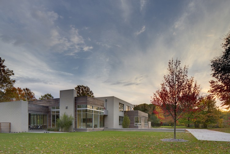 Shaker Heights House / Dimit Architects | ArchDaily