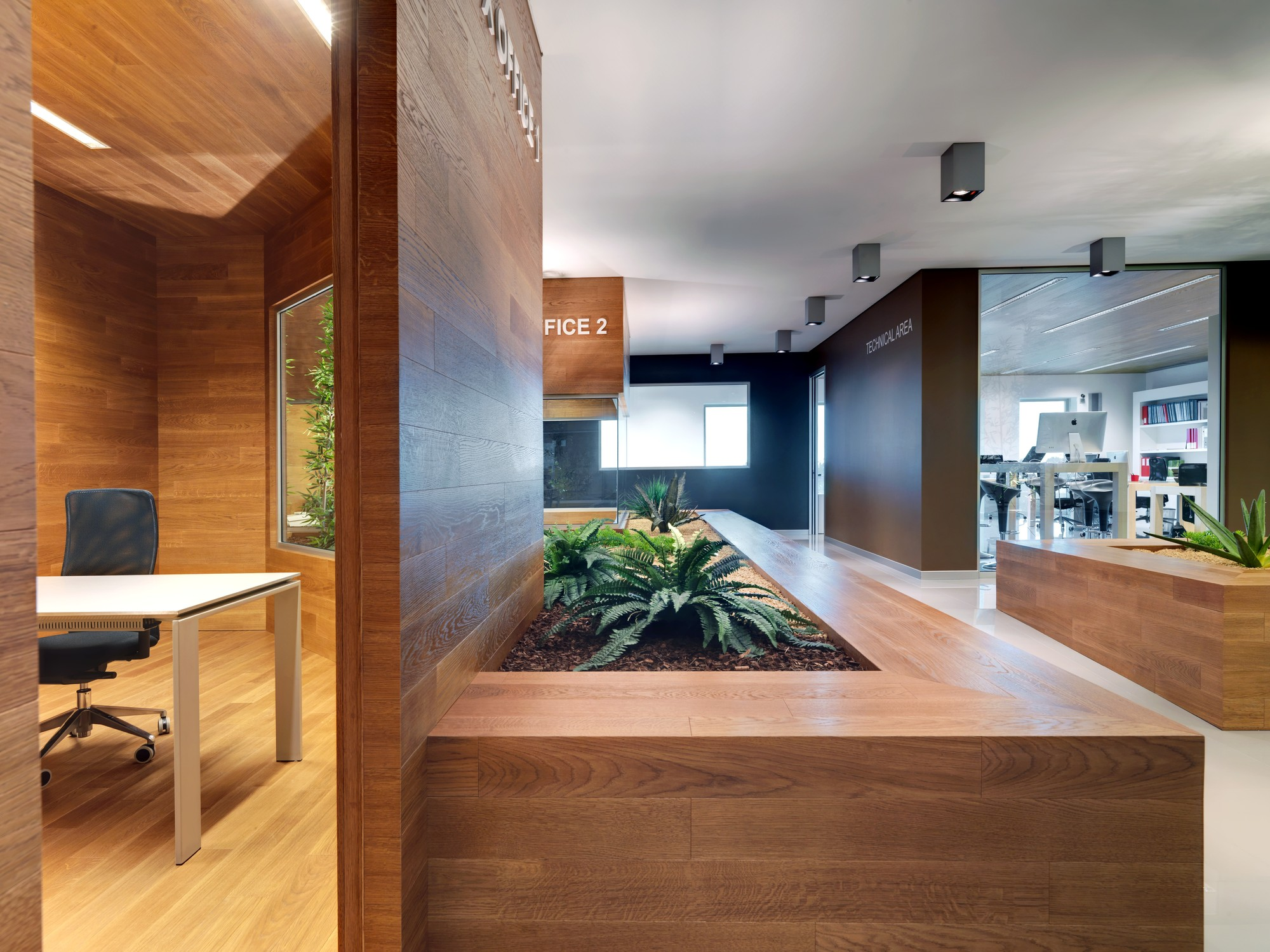 Barrau0026Barra Office / Damilano Studio Architects, © Andrea Martiradonna
