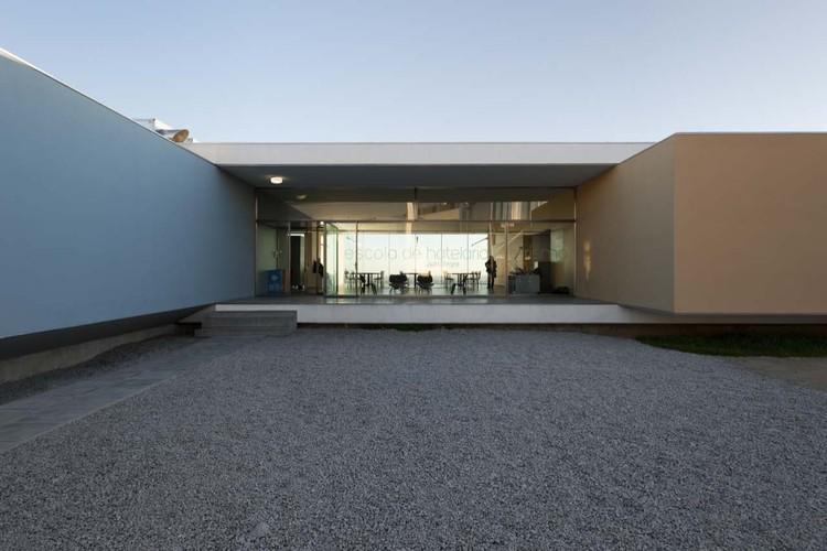 Hotel & Catering School / Eduardo Souto de Moura + Graça Correia, ©  Luis Ferreira Alves