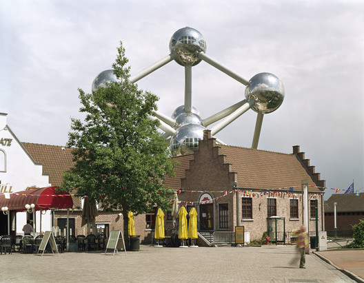 """Brussels 1958 World's Fair, """"A New Humanism,"""" Atomium, 2007. Photo © Jade Doskow."""