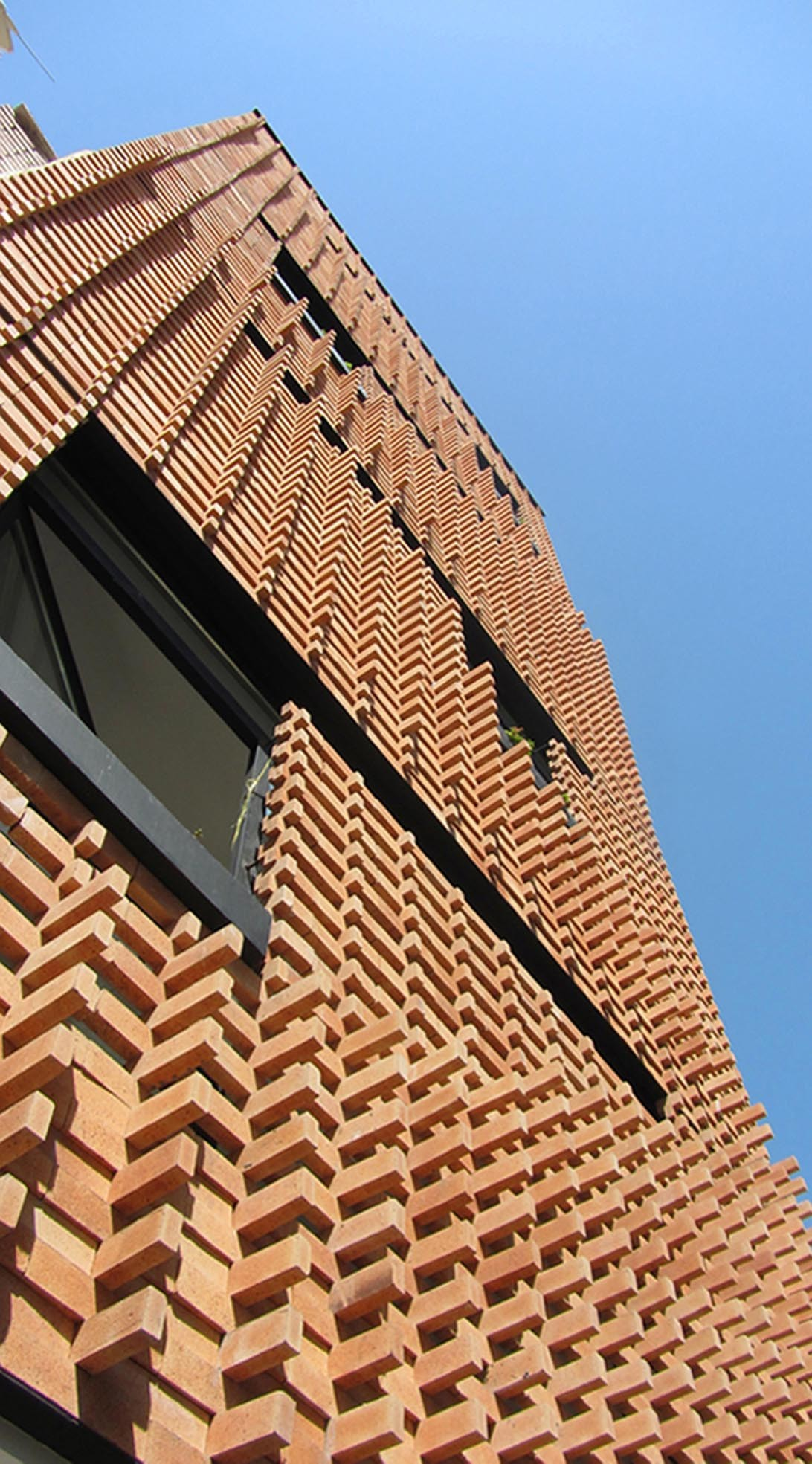 Gallery of brick pattern house alireza mashhadmirza 8 for Cool brick wall designs