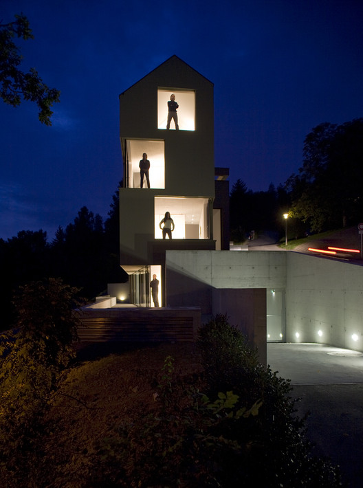 House For 6 Families / L3P Architects