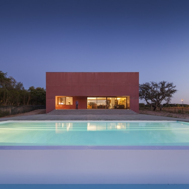 Casa de Três Pátios / Miguel Marcelino, © Fernando Guerra |  FG+SG